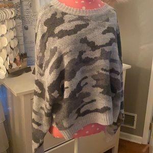 NWOT American Eagle Camo sweater
